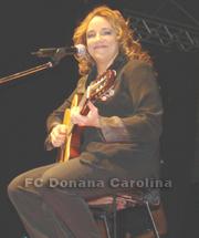 cantora-ana-carolina