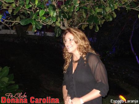 Ana Carolina chega ao Morro da Urga para assistir show de Maria Rita